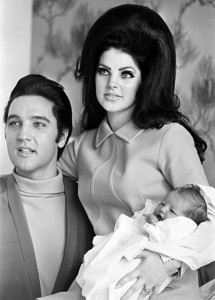 Priscilla Presley devět měsíců po svatbě porodila Elvisovi krásnou dceru - lisu Marii