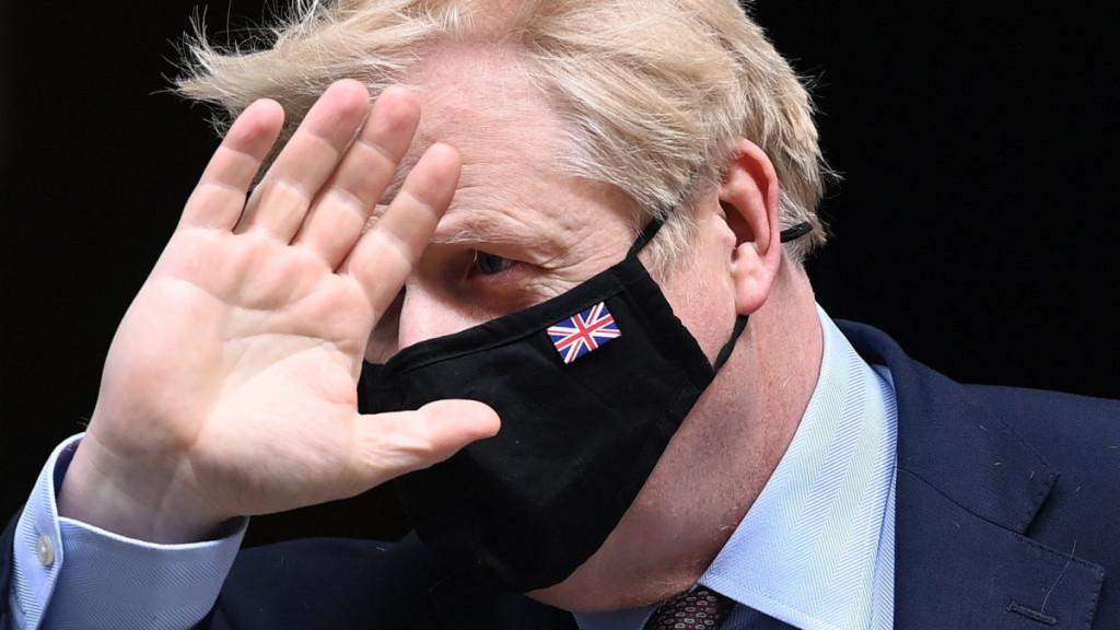 Koronavirus - z Británie přicházejí dramatické zprávy