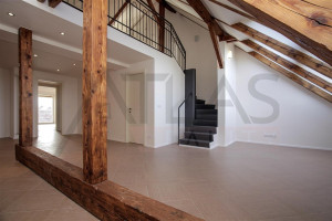 Living area and staircase - For Rent: Unfurnished 3-bedroom Duplex Apartment, 138,07sqm, Za Strahovem, Praha 6 - Břevnov