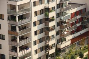 stavební úprava, při které se zachovává vnější půdorysné i výškové ohraničení stavby; za stavební úpravu se považuje též zateplení pláště stavby a provedení protihlukové stěny na silničním pozemku