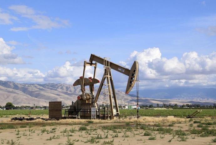 Saúdská Arábie má v úmyslu snížit ceny ropy pro Asii a USA