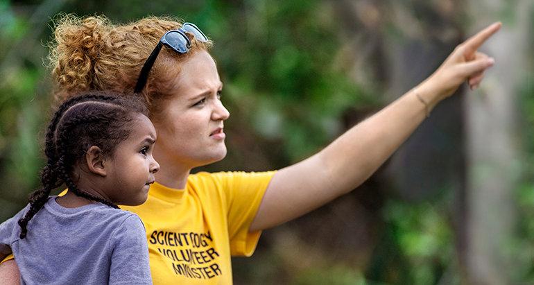 Scientologičtí dobrovolní duchovní dostali uznání za jejich bezvýhradnou pomoc